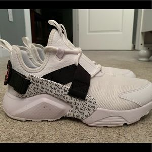 Nike Huarache Just Do It! GENTLY WORN